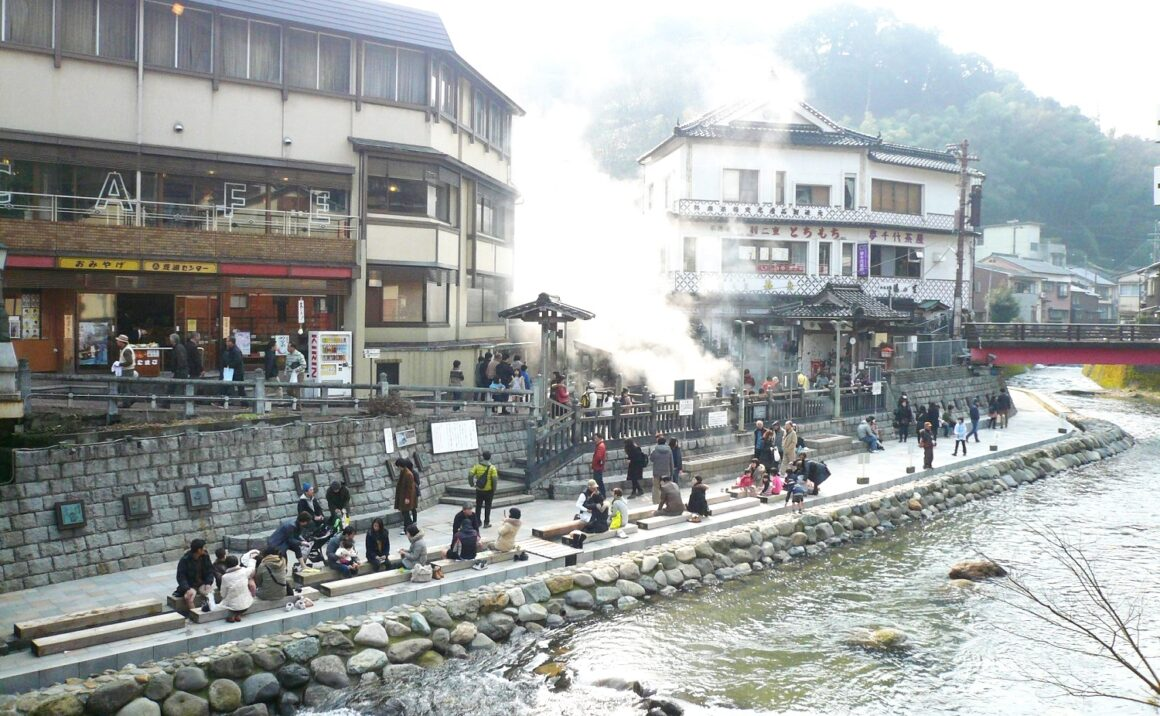 Authentic hot springs experience in Yumura Hot Springs!