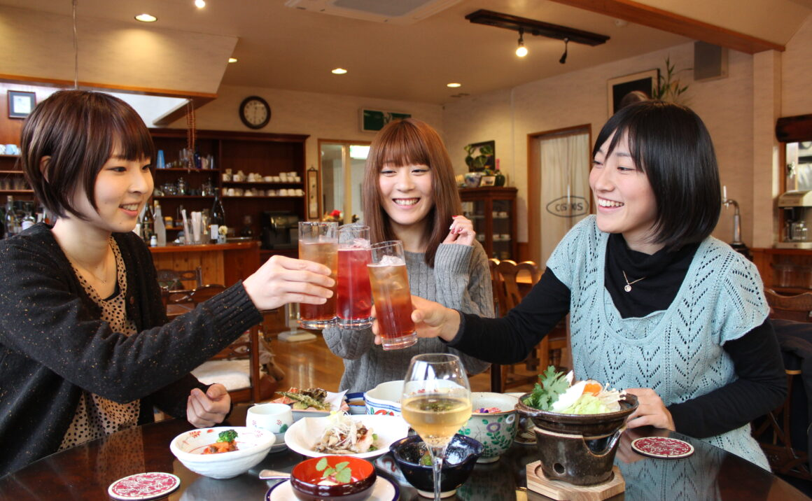 Pension Cosmos no Yakata surrounded by rich nature, you can enjoy star watching and relaxing stay with organic Japanese cuisine and barbecue dinner.