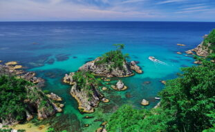 世界ジオパークにも認定されている絶景「浦富海岸」